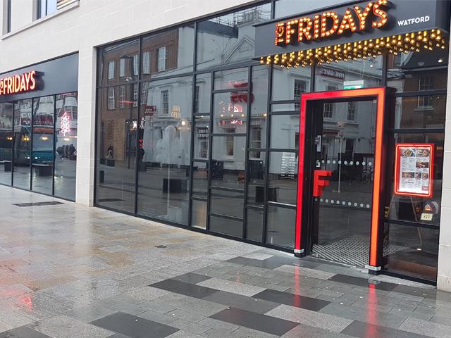 tgi-fridays-shop-front